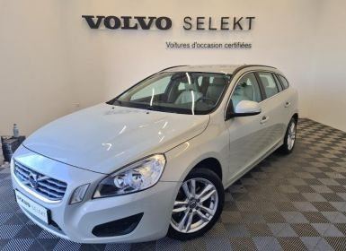 Achat Volvo V60 D3 163ch Start&Stop Momentum Business Geartronic Occasion