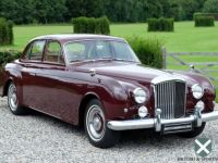 Bentley S2 Flying Spur by James Young  Occasion