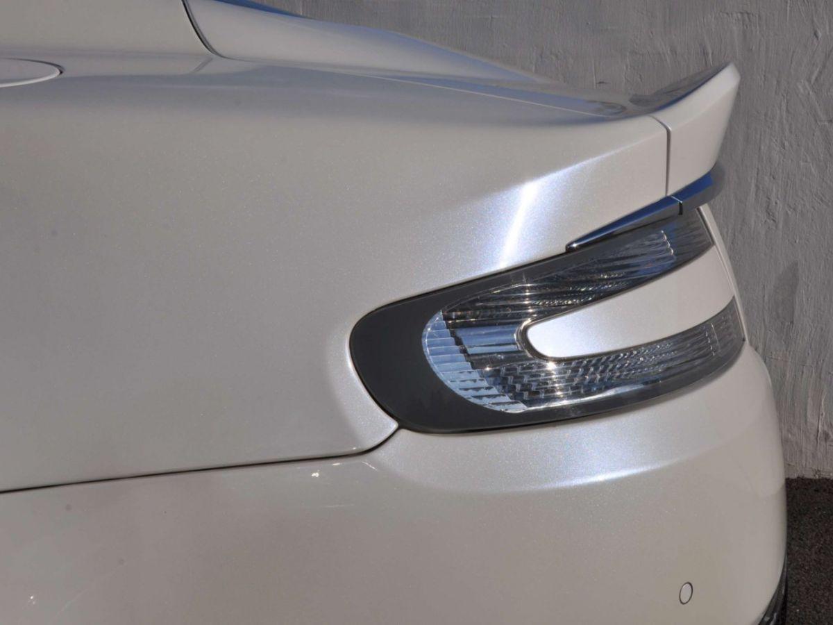 Aston Martin DBS V12 Touchtronic 2+0 Blanc - 9