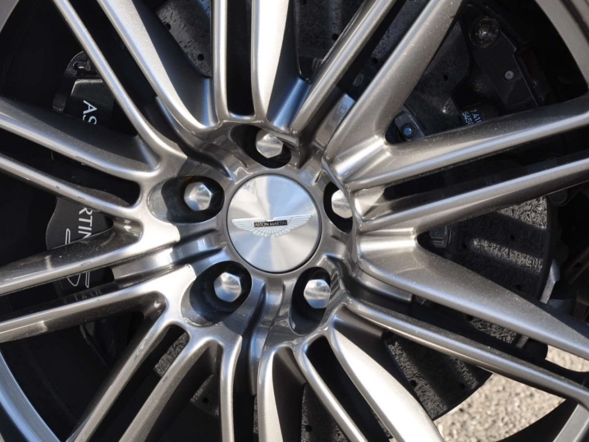 Aston Martin DBS V12 Touchtronic 2+0 Blanc - 12