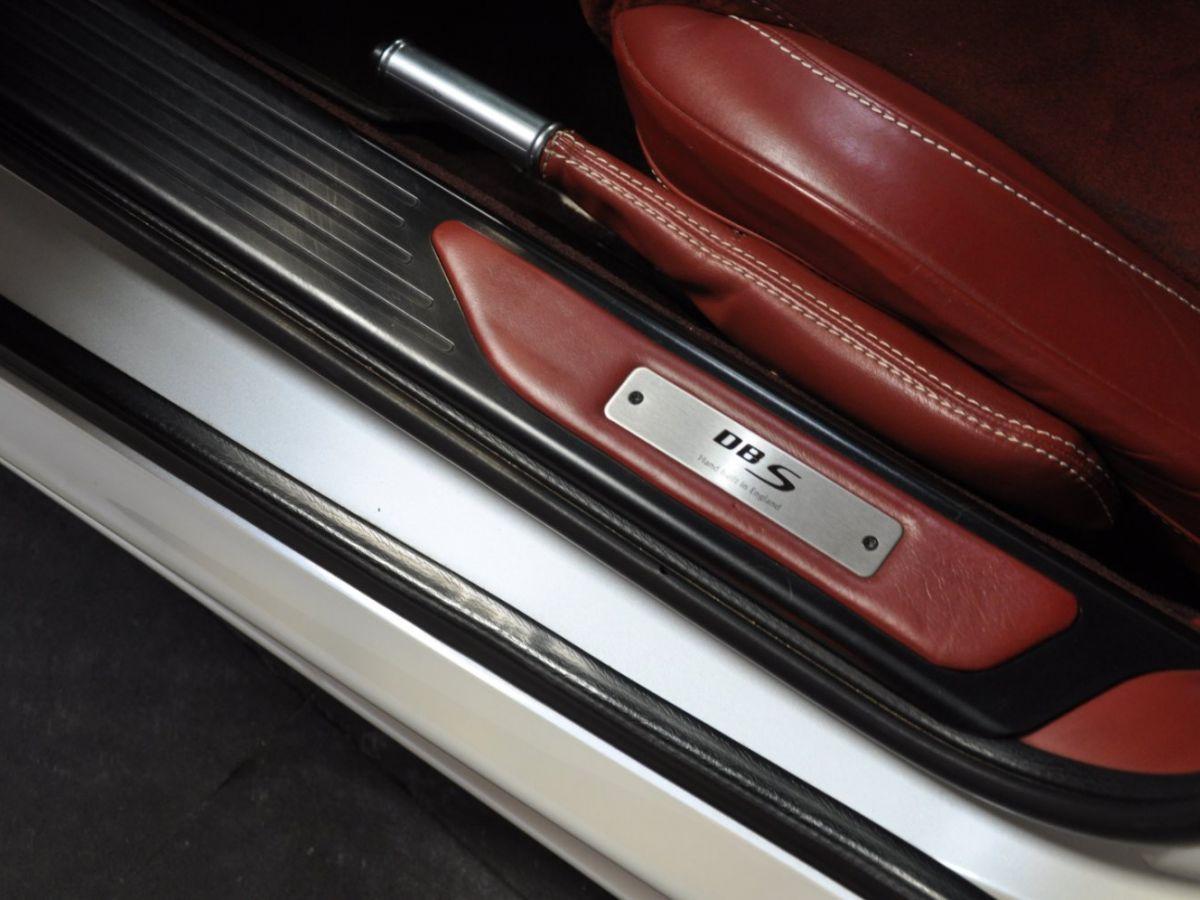 Aston Martin DBS V12 Touchtronic 2+0 Blanc - 24