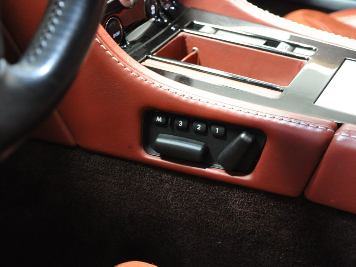 Aston Martin DBS V12 Touchtronic 2+0 Blanc - 31