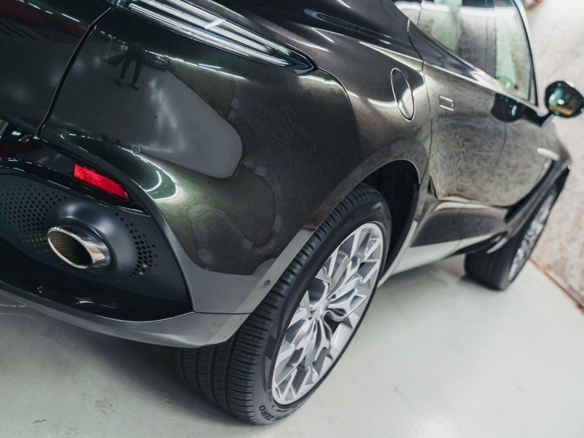 Aston Martin DBX Vert Foncé - 4