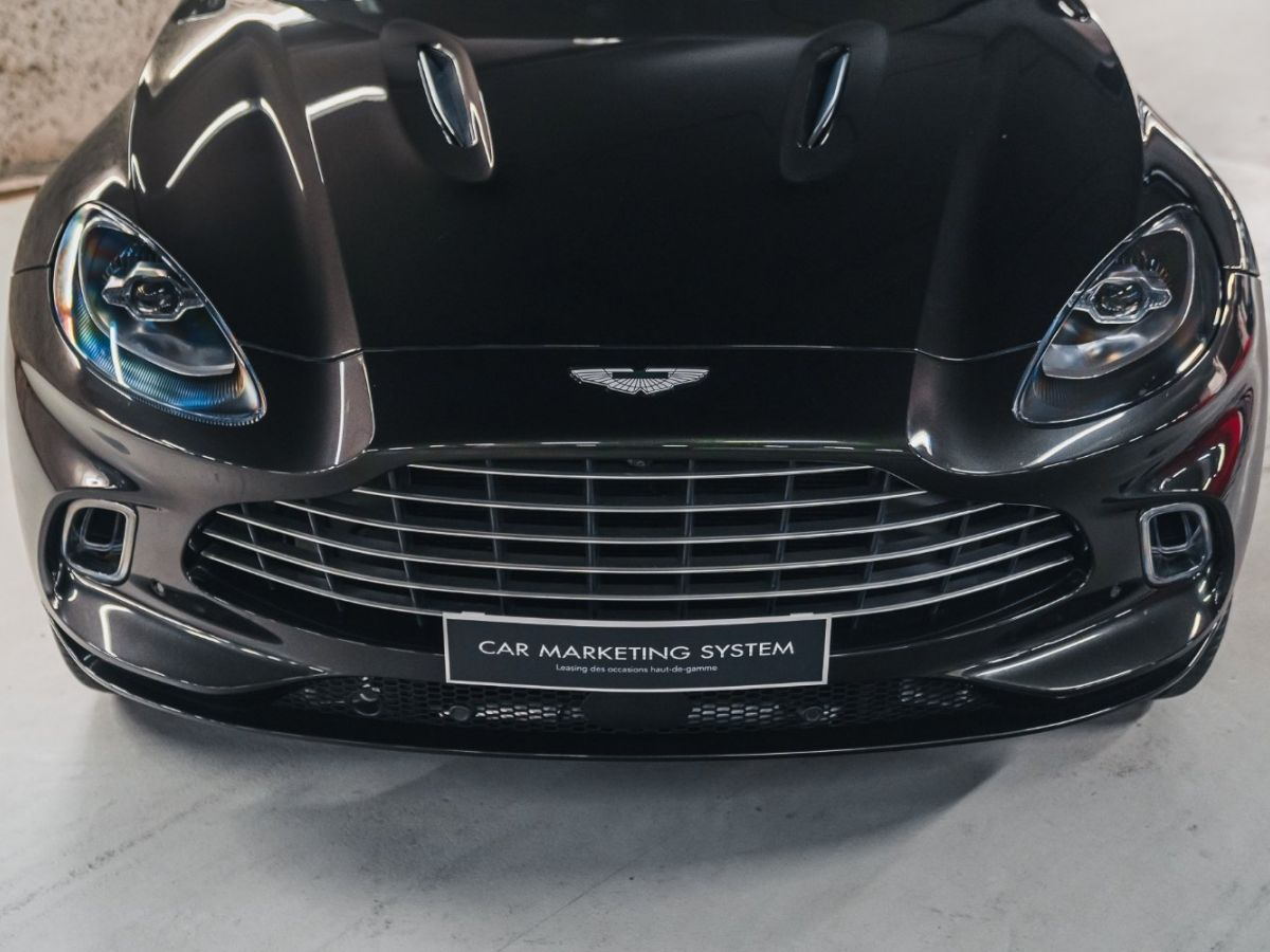 Aston Martin DBX Vert Foncé - 18