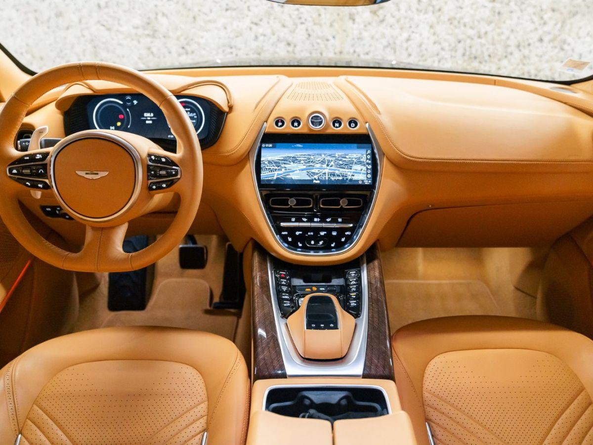 Aston Martin DBX Vert Foncé - 24