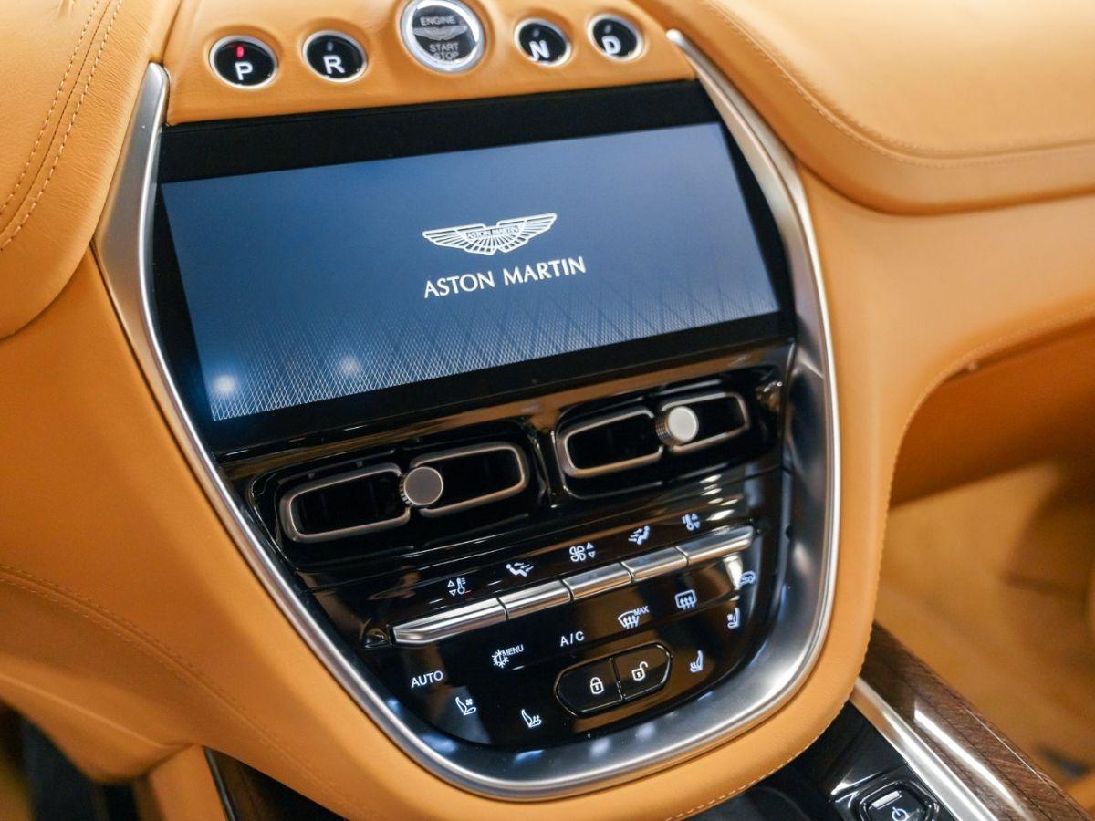 Aston Martin DBX Vert Foncé - 40