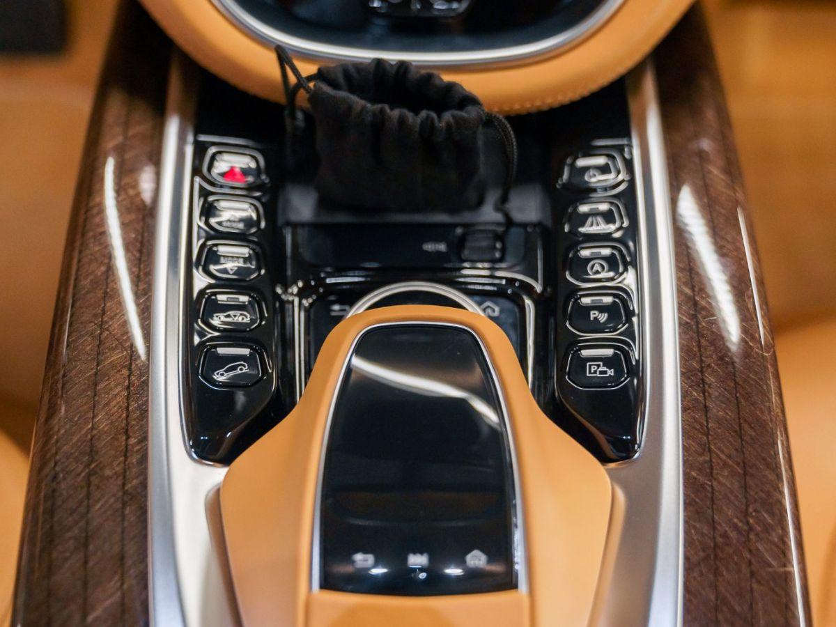 Aston Martin DBX Vert Foncé - 50