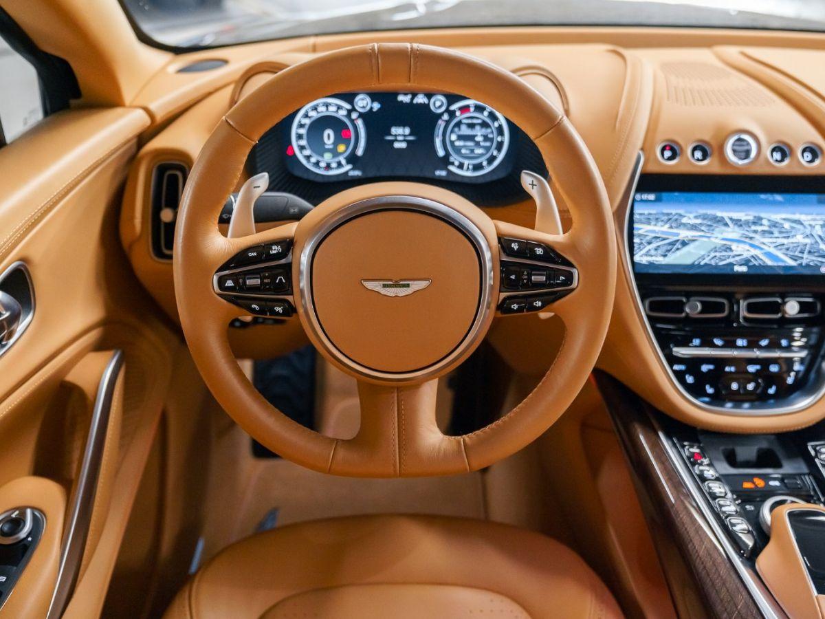 Aston Martin DBX Vert Foncé - 52