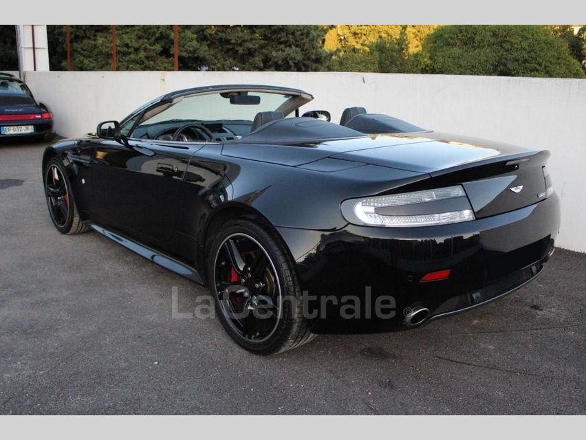Aston Martin V8 Vantage 4.7 420CH BVS Noir - 14