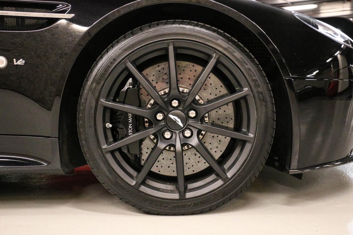Aston Martin VANTAGE S Coupe V12 Sportshift III Noir Métallisé - 12