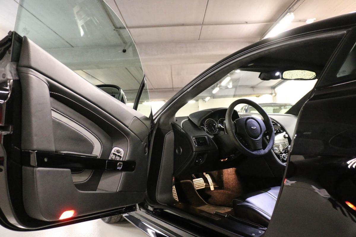 Aston Martin VANTAGE S Coupe V12 Sportshift III Noir Métallisé - 31