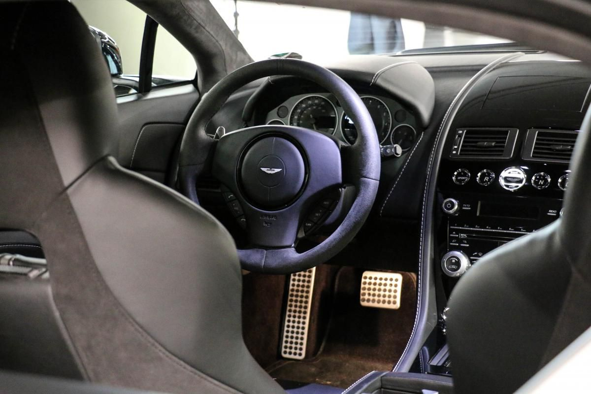 Aston Martin VANTAGE S Coupe V12 Sportshift III Noir Métallisé - 33