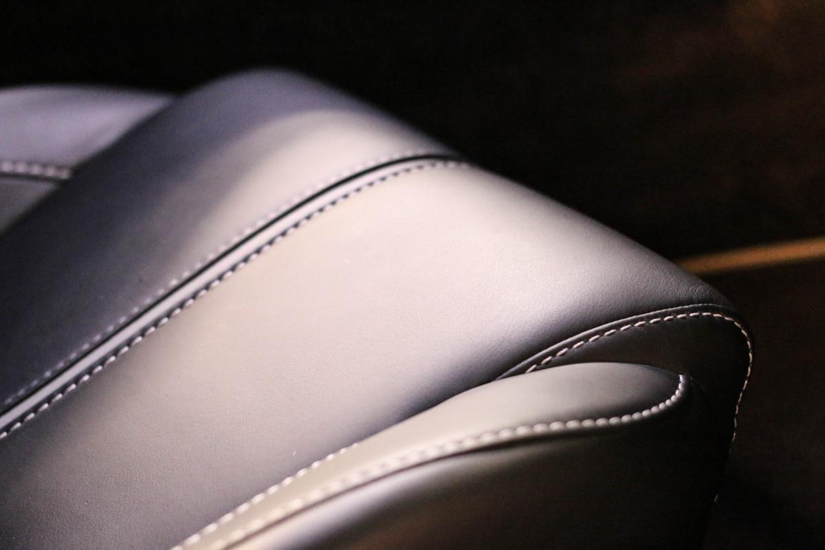 Aston Martin VANTAGE S Coupe V12 Sportshift III Noir Métallisé - 45