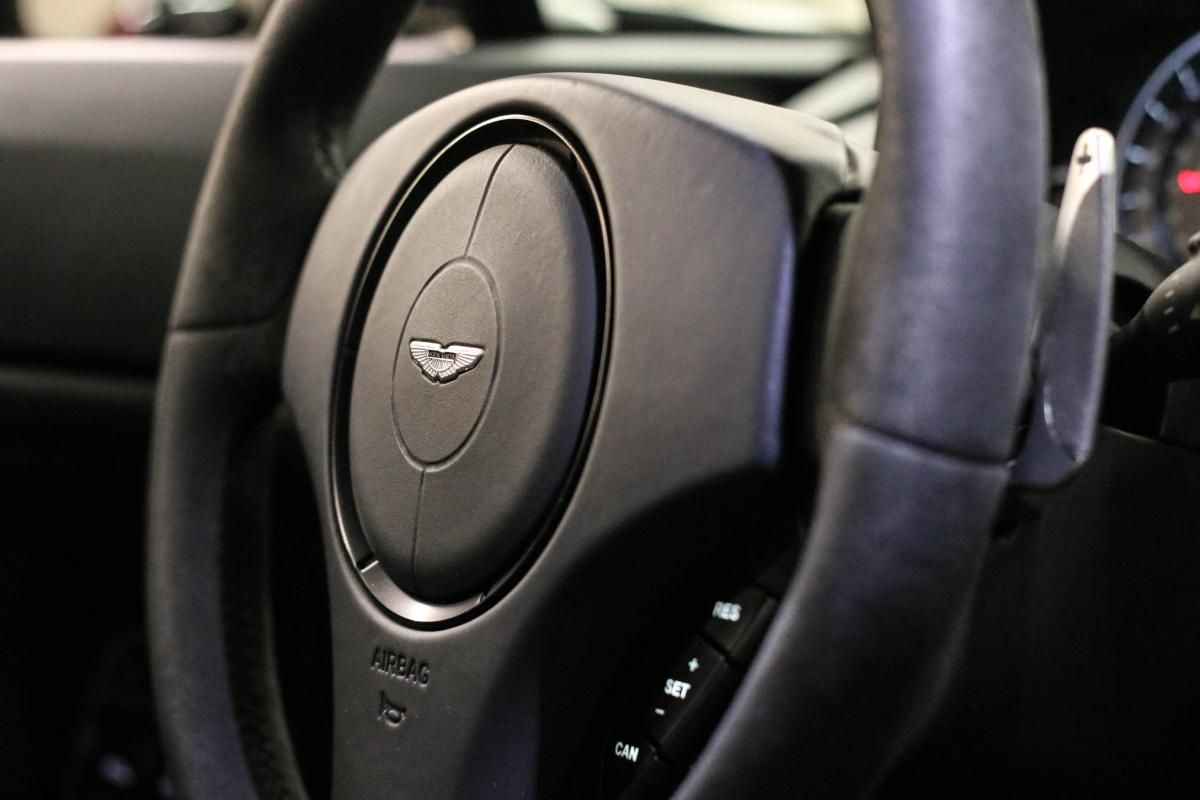 Aston Martin VANTAGE S Coupe V12 Sportshift III Noir Métallisé - 48