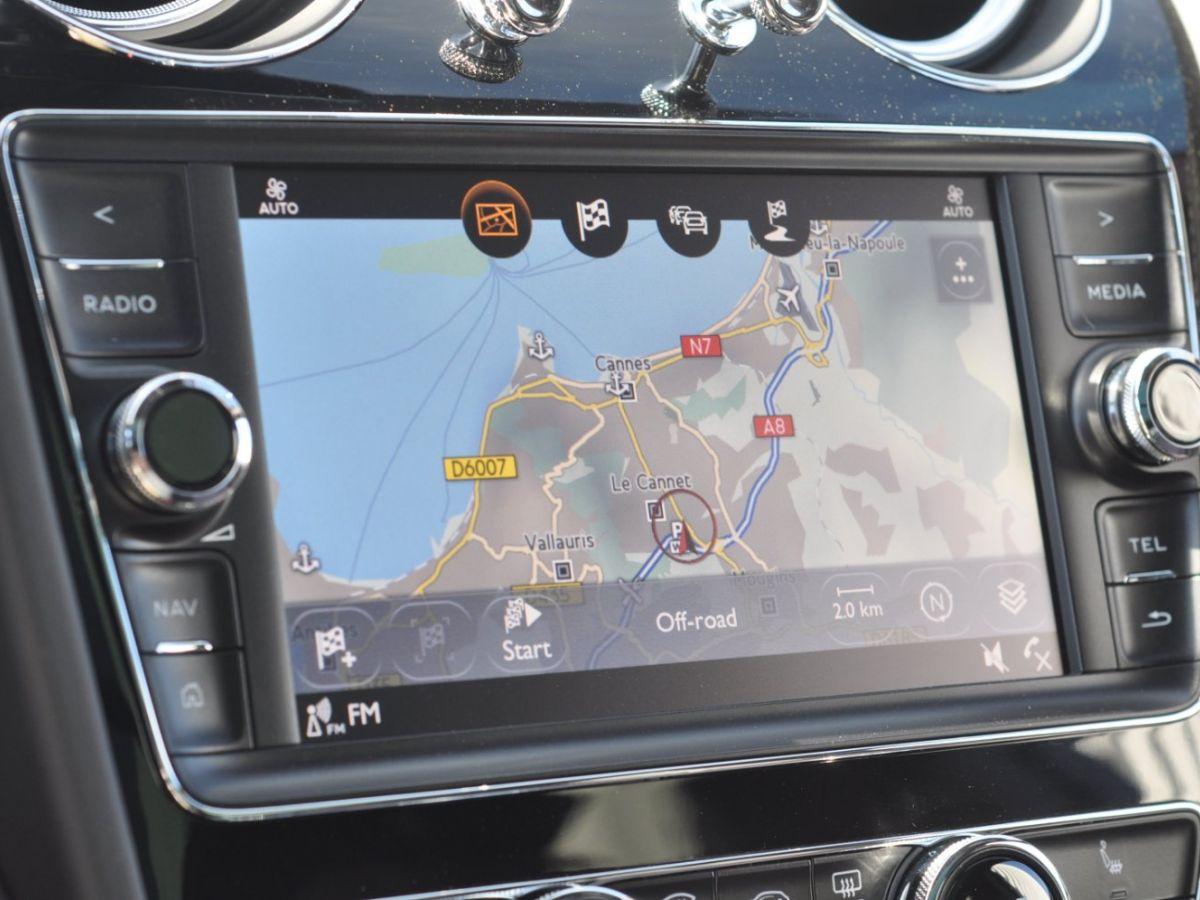 Bentley Bentayga V8 4.0 435ch Gris Clair - 38