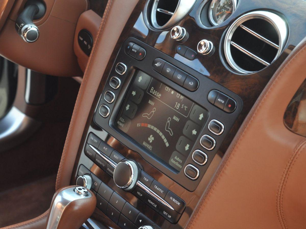 Bentley Continental Flying Spur 6.0 W12 Vert - 29