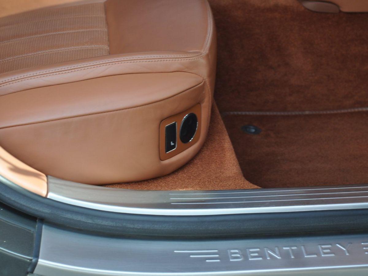 Bentley Continental Flying Spur 6.0 W12 Vert - 38