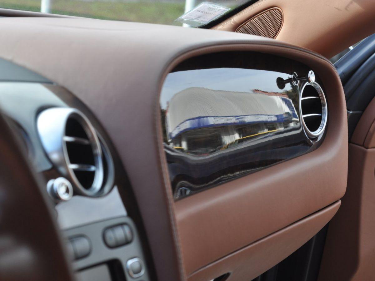 Bentley Continental Flying Spur 6.0 W12 Vert - 44