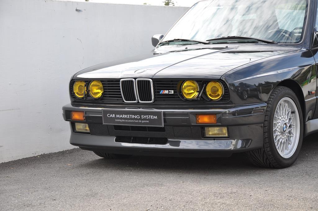 BMW M3 E30 Coupe Diamantschwarz Metallic - 2
