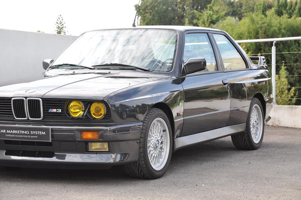 BMW M3 E30 Coupe Diamantschwarz Metallic - 3