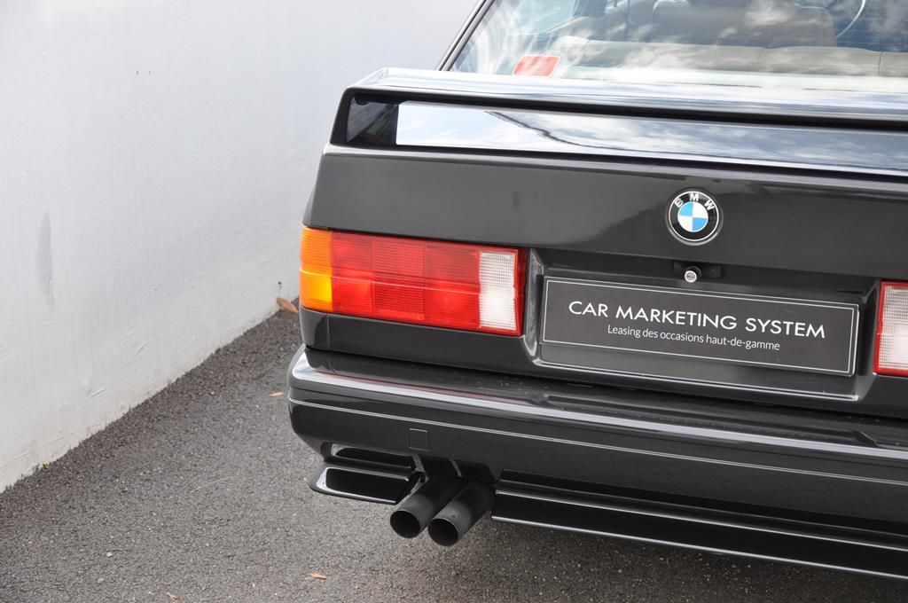 BMW M3 E30 Coupe Diamantschwarz Metallic - 7