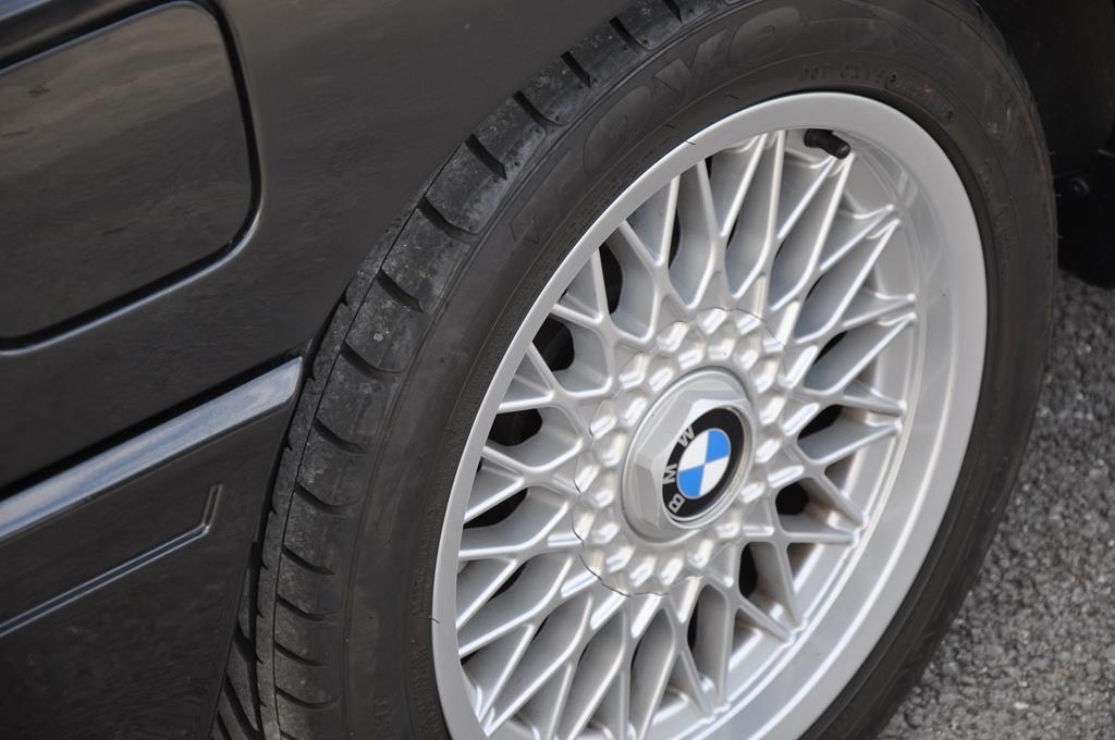 BMW M3 E30 Coupe Diamantschwarz Metallic - 9