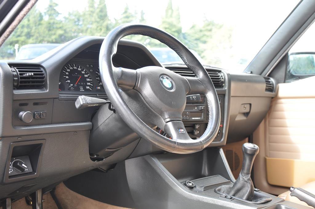 BMW M3 E30 Coupe Diamantschwarz Metallic - 14