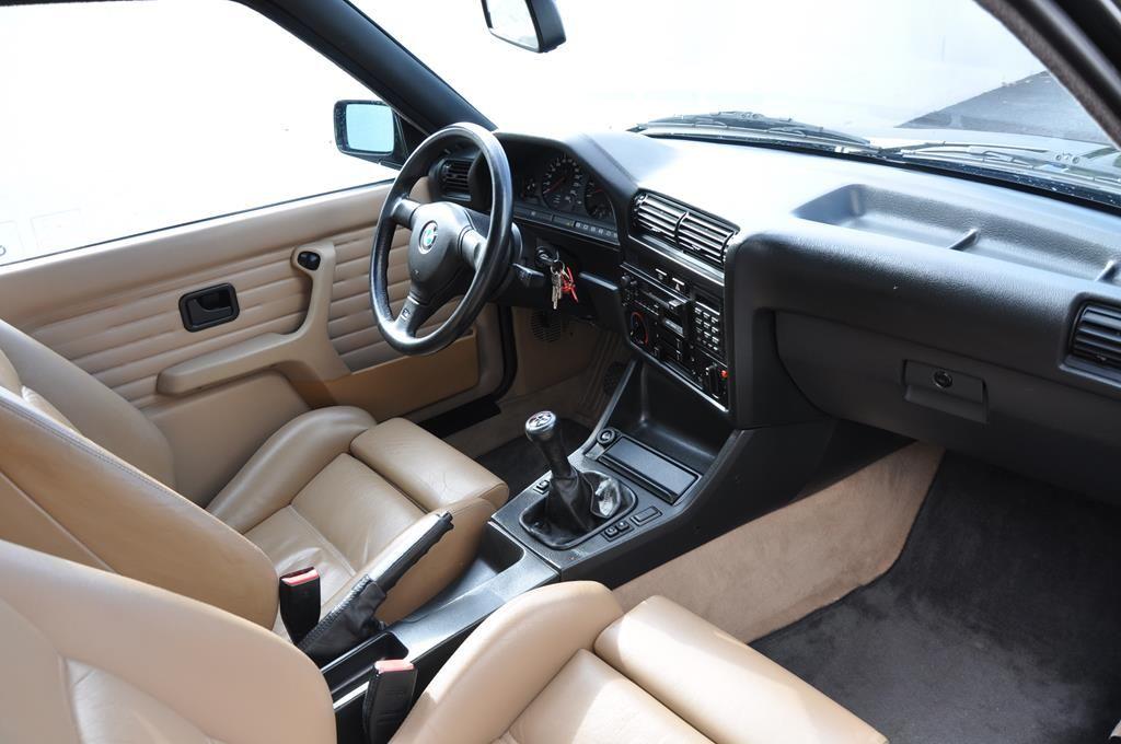 BMW M3 E30 Coupe Diamantschwarz Metallic - 18