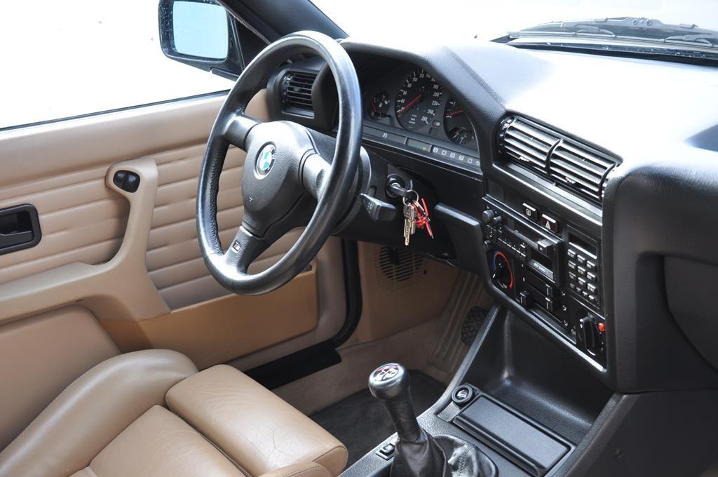 BMW M3 E30 Coupe Diamantschwarz Metallic - 19