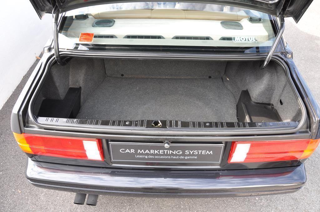 BMW M3 E30 Coupe Diamantschwarz Metallic - 31