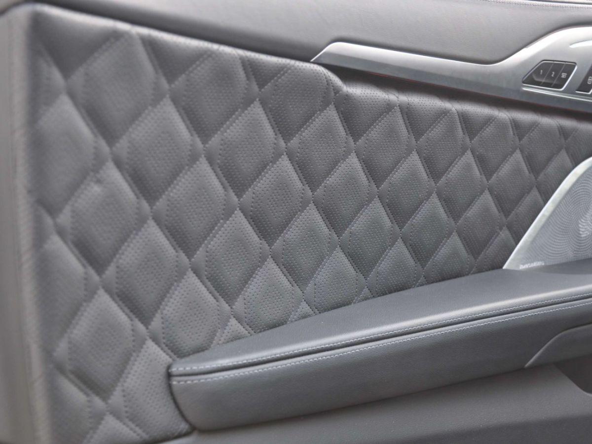 BMW Série 8 G15 Coupe M8 COMPETITION 625 BVA8 Noir - 11