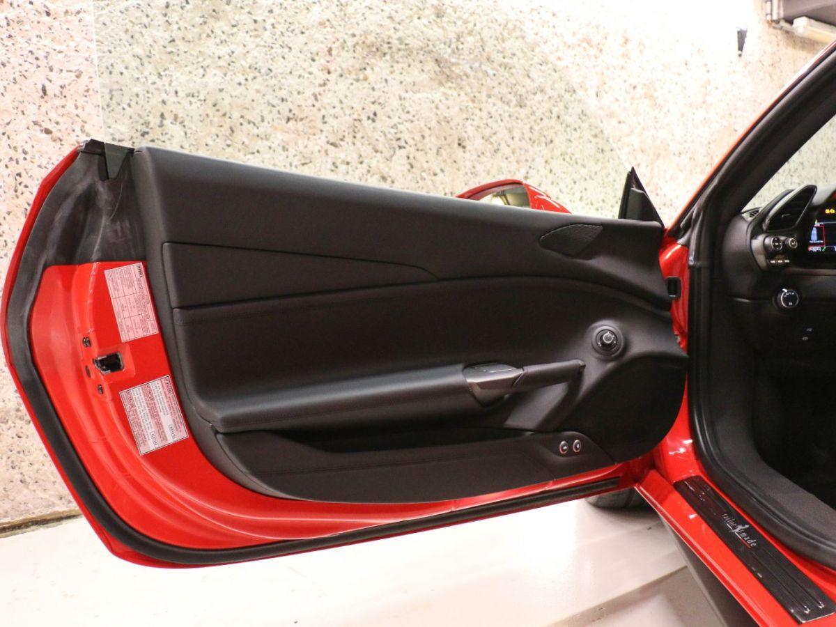 Ferrari 488 GTB TAILOR MADE 70TH EDITION LE CASTELLET Rouge - 34