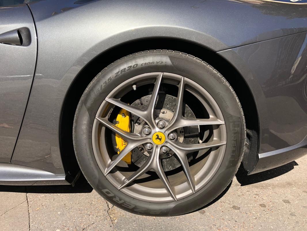 Ferrari F12 Berlinetta V12 6.0 740ch Gris Métallisé - 4