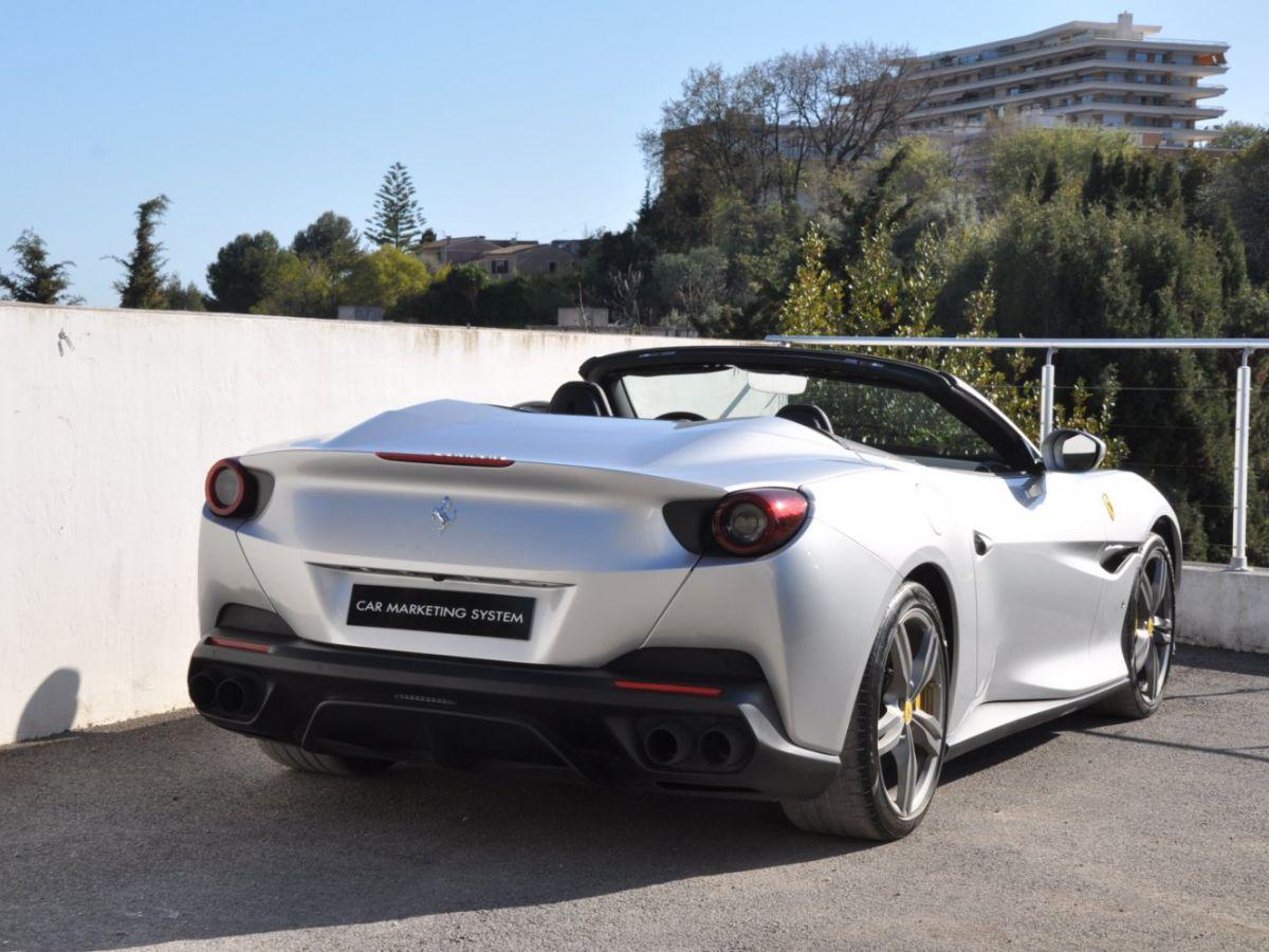 Ferrari Portofino 3.9 V8 T 600CH Gris Clair - 7
