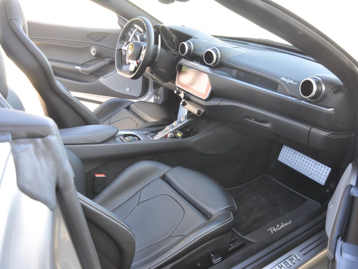 Ferrari Portofino 3.9 V8 T 600CH Gris Clair - 15