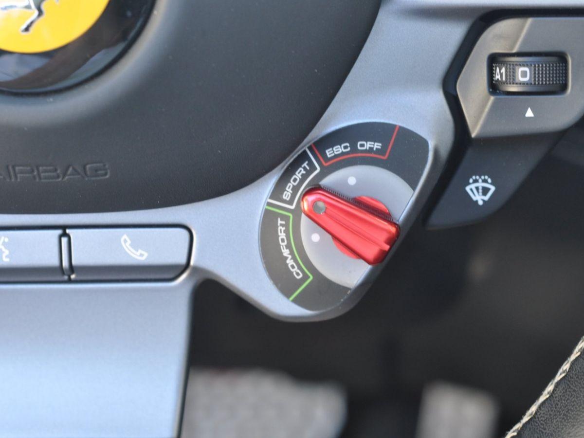 Ferrari Portofino 3.9 V8 T 600CH Gris Clair - 34