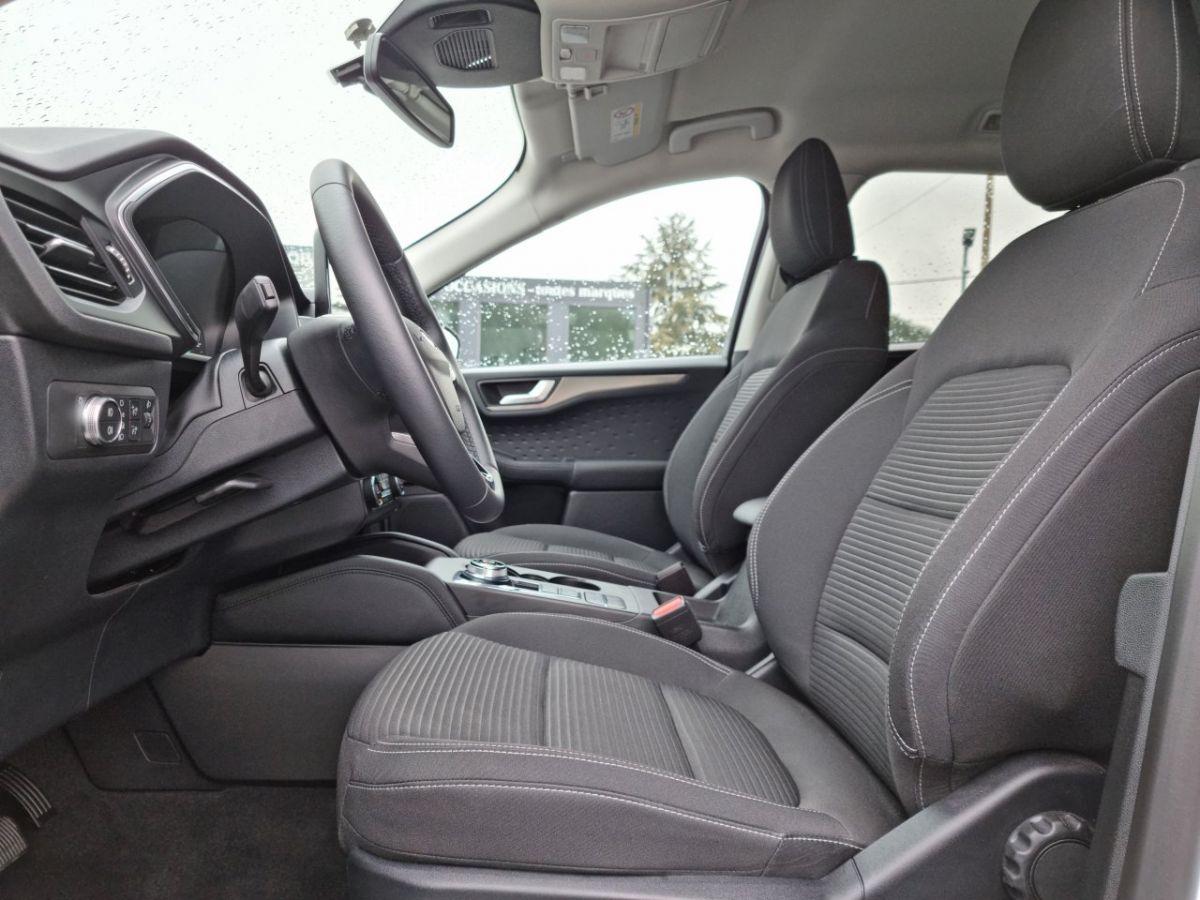 Ford Kuga 1.5 TDCi 120ch Stop&Start Titanium 4x2 Powershift BLANC - 13