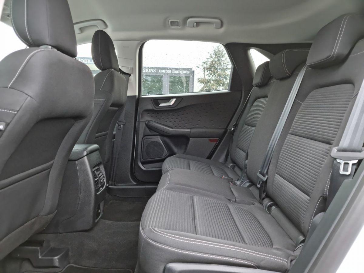 Ford Kuga 1.5 TDCi 120ch Stop&Start Titanium 4x2 Powershift BLANC - 14