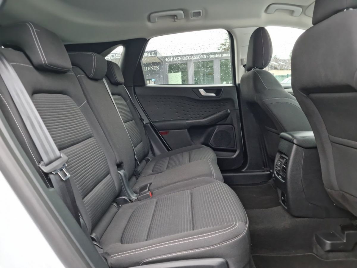 Ford Kuga 1.5 TDCi 120ch Stop&Start Titanium 4x2 Powershift BLANC - 15
