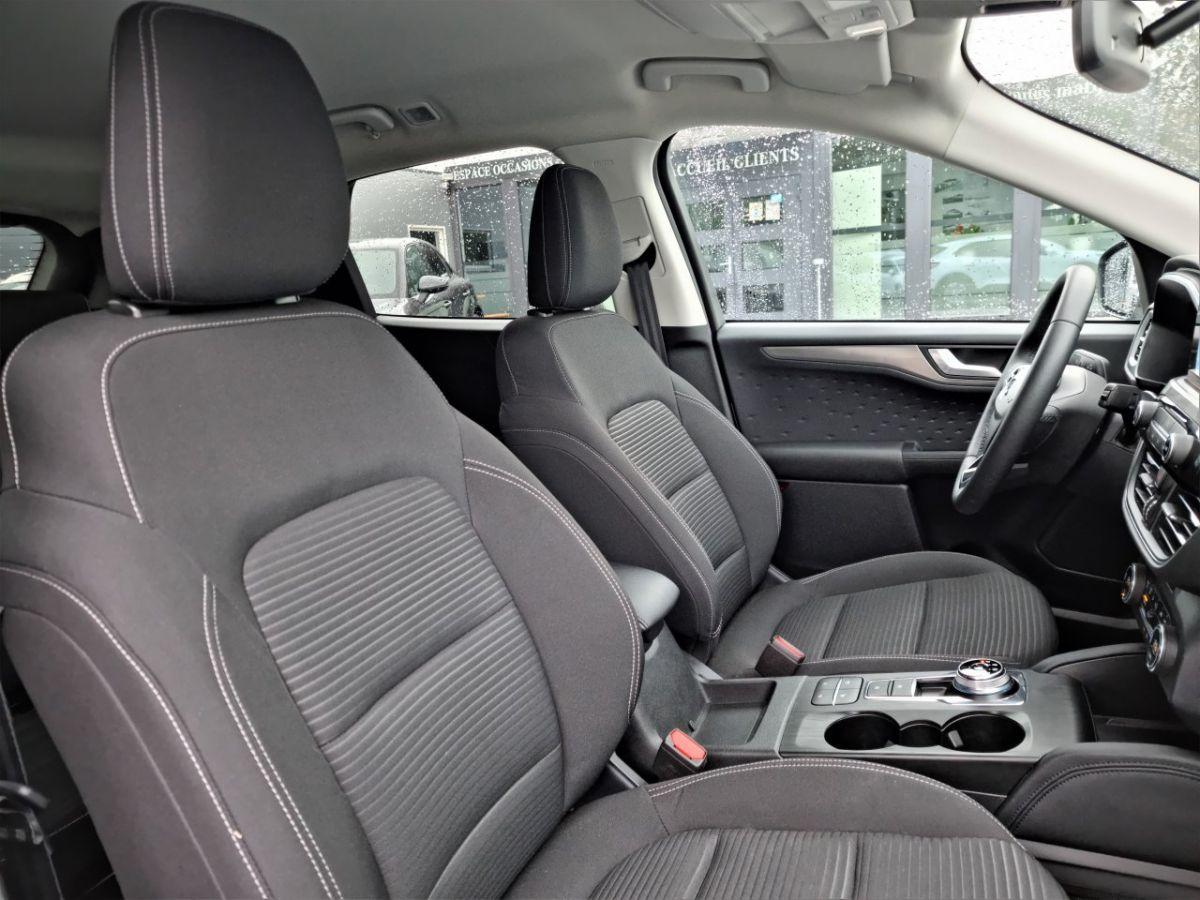 Ford Kuga 1.5 TDCi 120ch Stop&Start Titanium 4x2 Powershift BLANC - 27