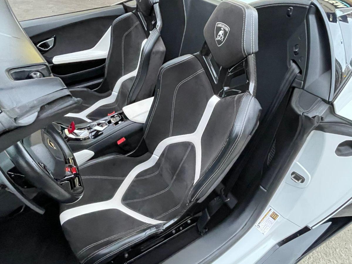 Lamborghini Huracan SPYDER LP 610-4 Blanc - 13