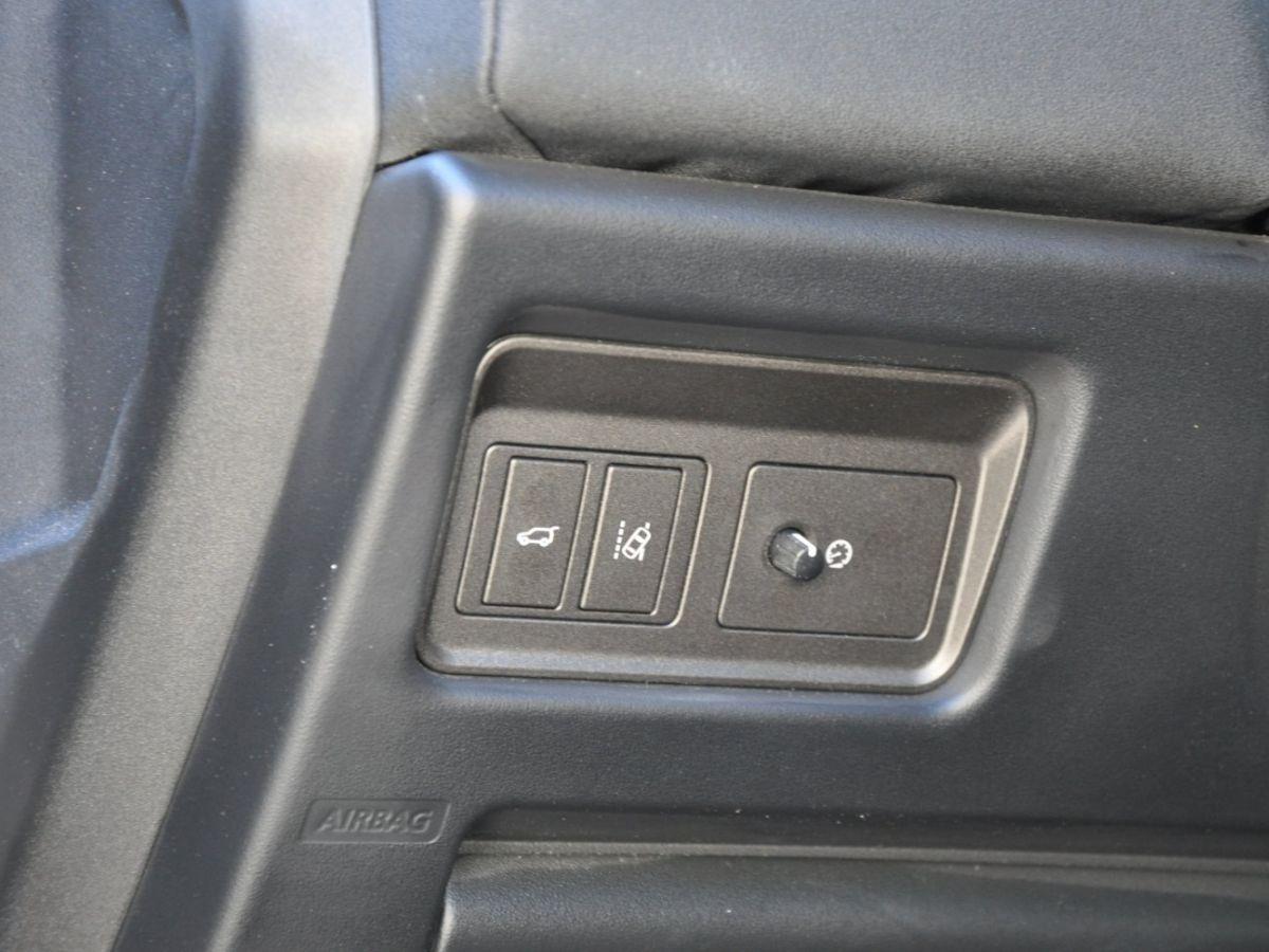 Land Rover Range Rover Evoque TD4 180 HSE Noir - 26