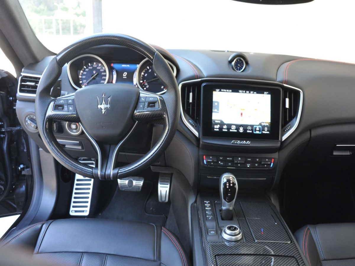Maserati Ghibli SQ4 410CV Noir - 11