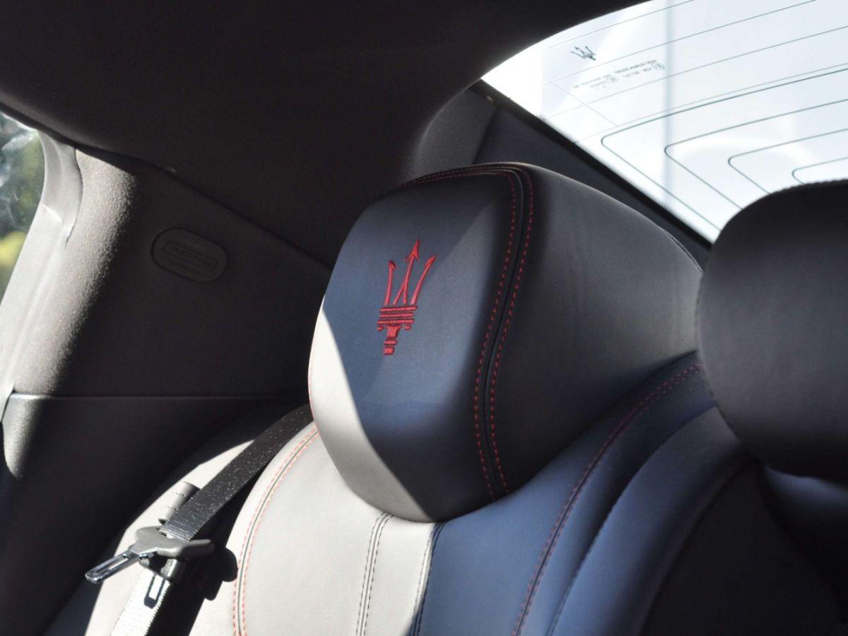 Maserati Ghibli SQ4 410CV Noir - 38