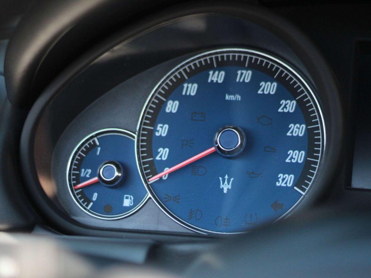 Maserati Grancabrio 4.7 V8 450 Sport BVA Gris Foncé - 34