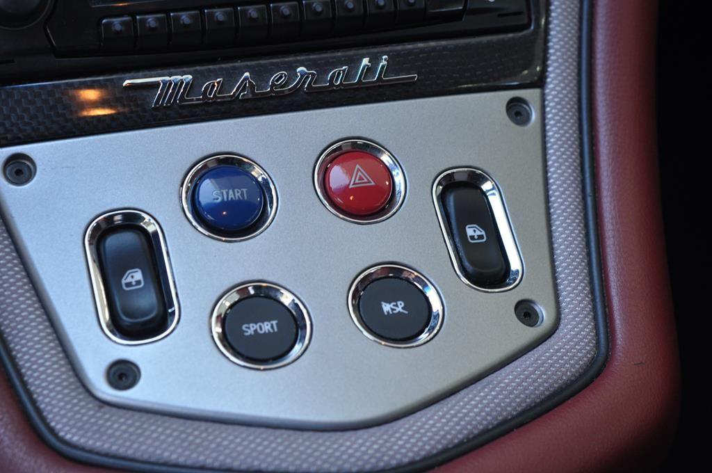 Maserati Gransport 4.3 V8 400 SENSONIC Noir métal - 15