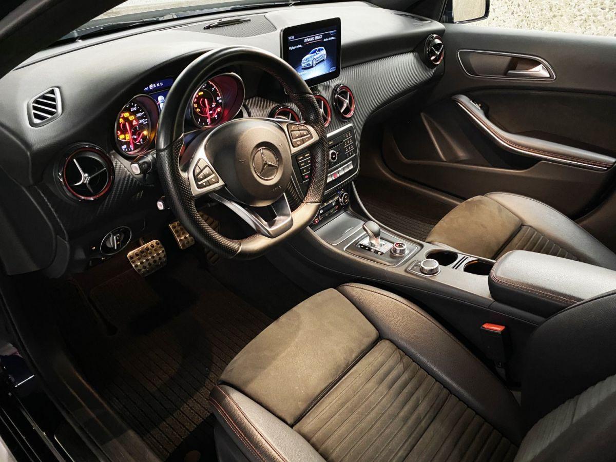 Mercedes Classe A 45 Mercedes-AMG Speedshift DCT 4Matic Bleu Foncé Métallisé - 31