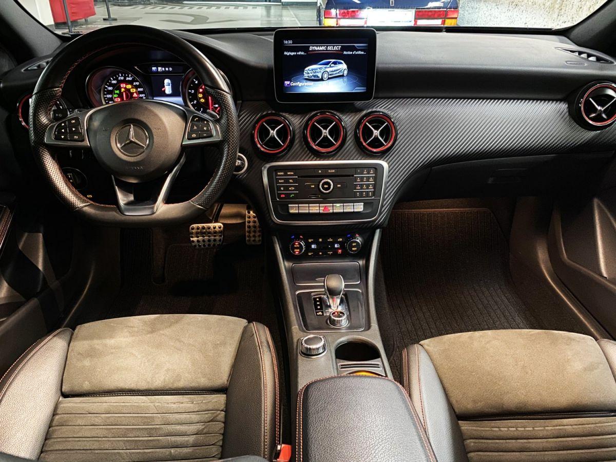 Mercedes Classe A 45 Mercedes-AMG Speedshift DCT 4Matic Bleu Foncé Métallisé - 33