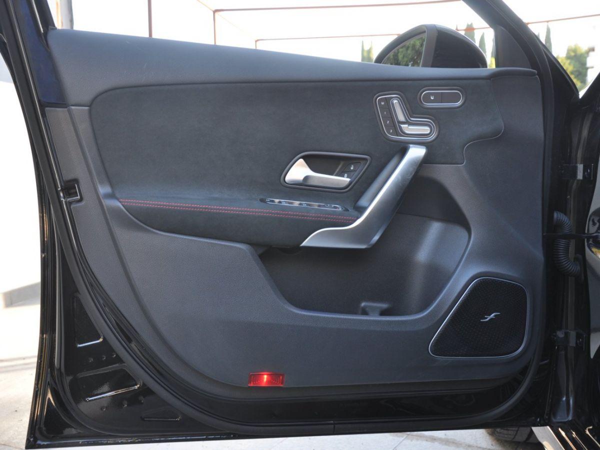 Mercedes Classe A 45 S 8G-DCT Speedshift AMG 4Matic+ Noir - 13