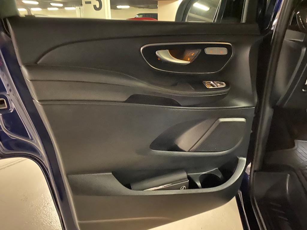 Mercedes Viano Classe V II 250 BlueTEC Avant Garde Bleu Nuit - 9